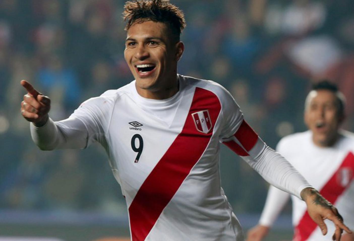 Paolo Guerrero firma por el FC BARCELONA tras dejar al FLAMENGO