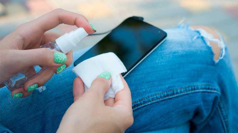 COVID-19: Minsa recomienda limpiar celulares con frecuencia para ...